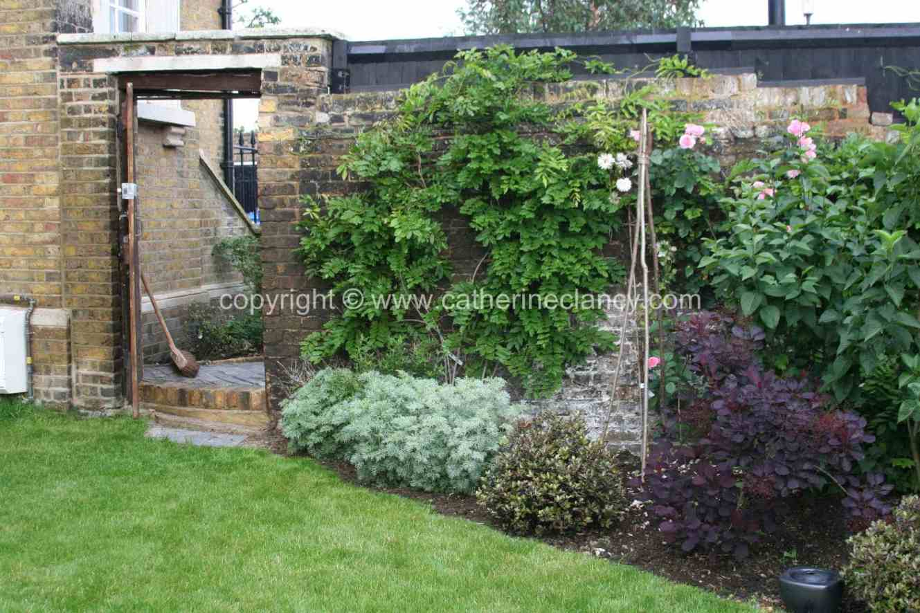 historic-riverside-garden-3