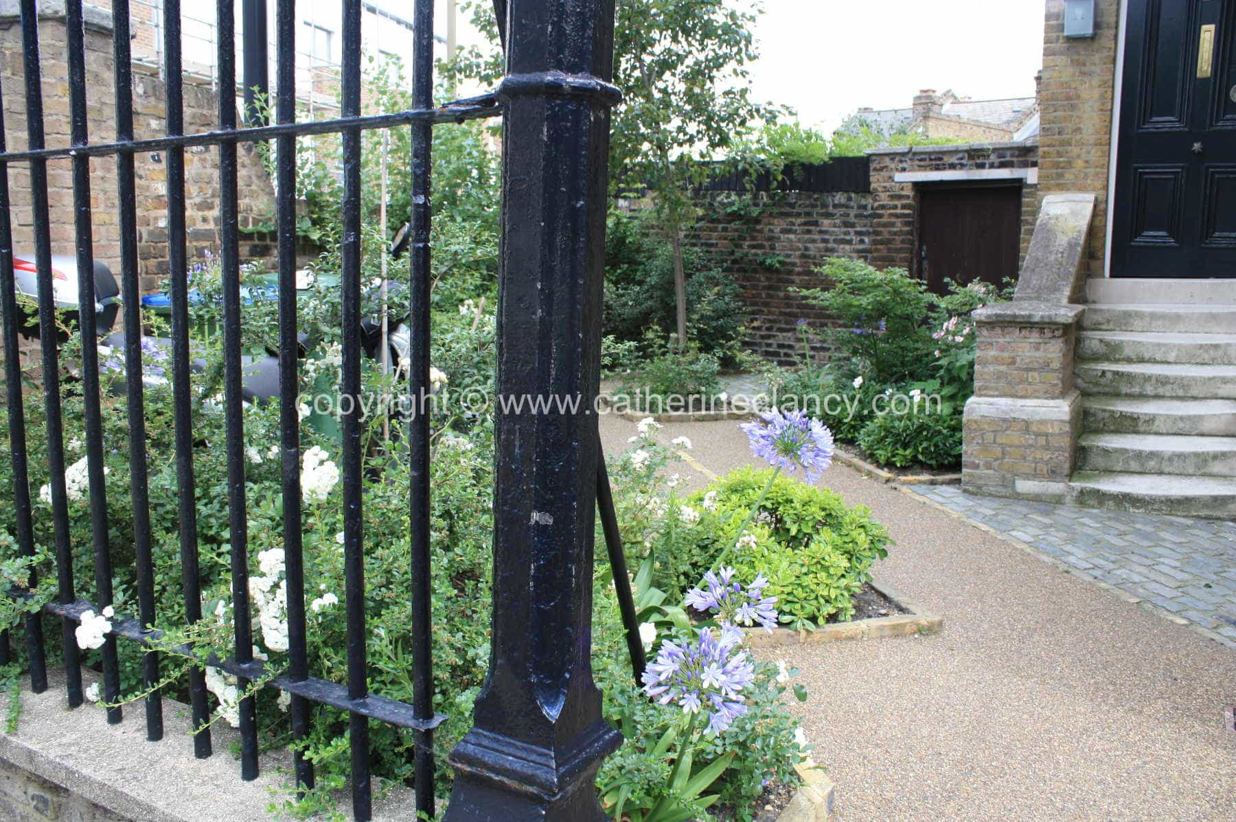 london-courtyard-front-garden-1