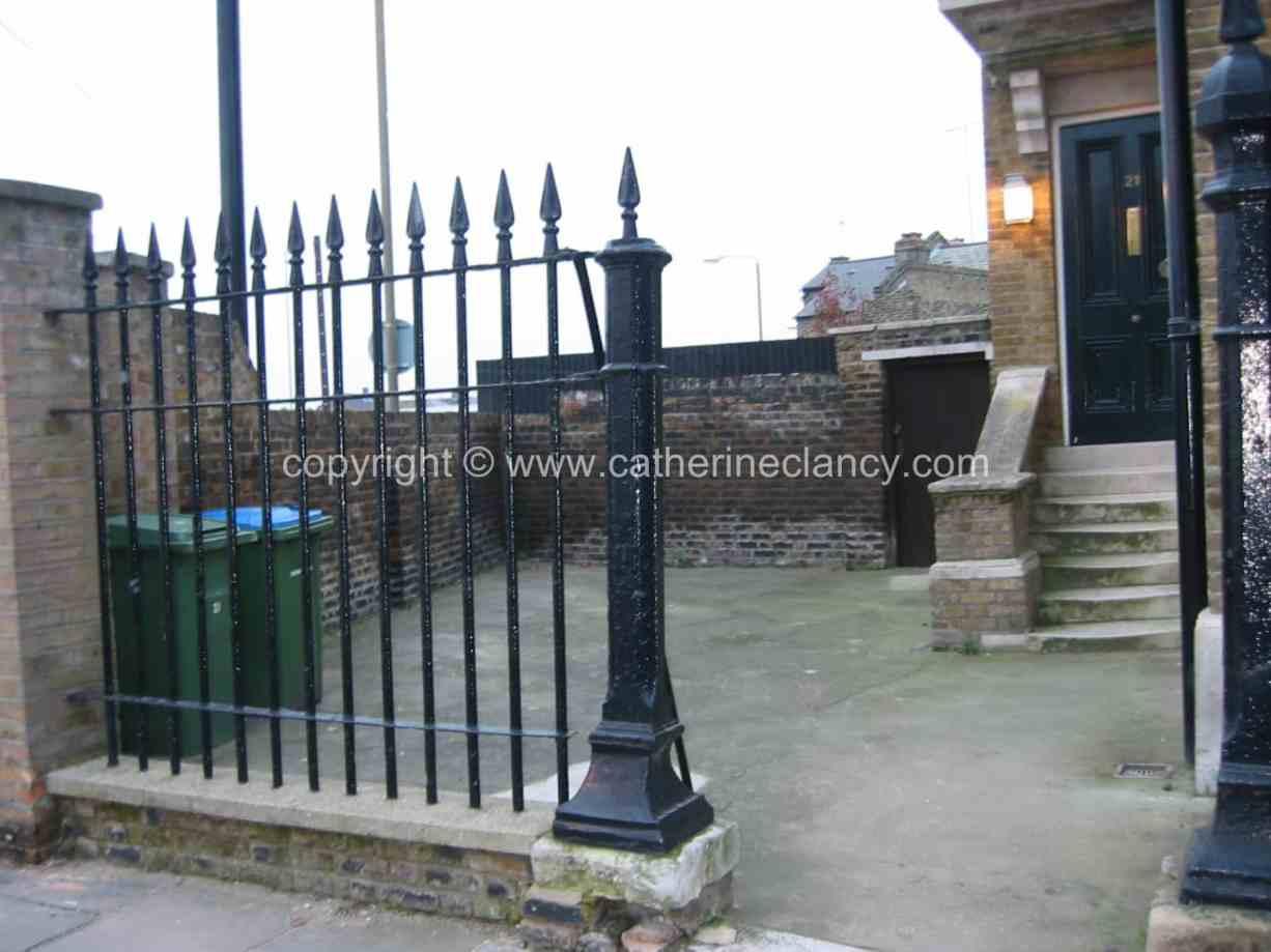 london-courtyard-front-garden-6