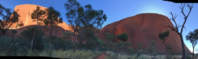 The different features of Uluru mentioned canbe clearly seen in this picture