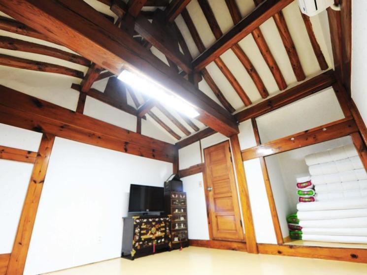 Ohbok Hanok Guesthouse