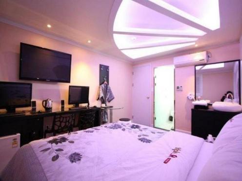 R Hotel Gangdong