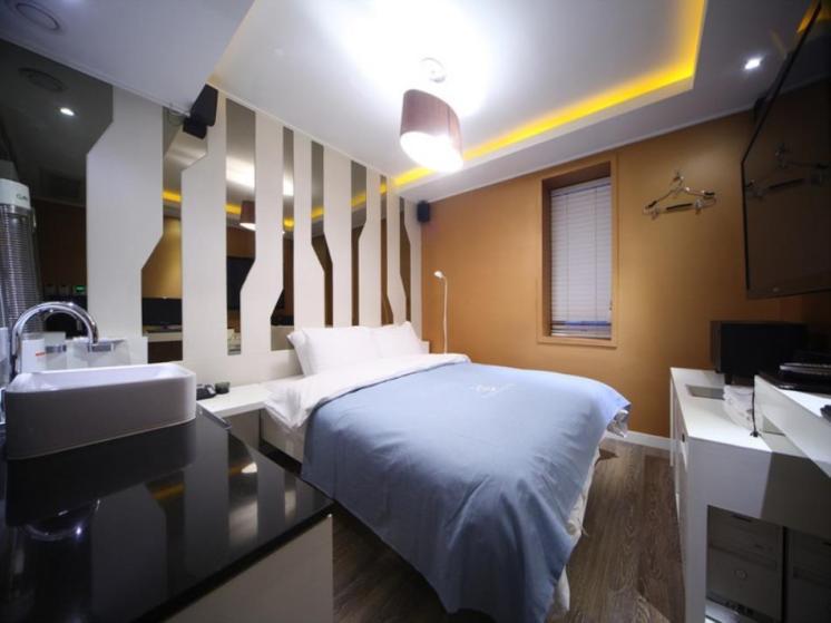 Shinchon Vogue Hotel