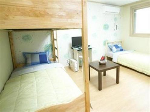 Twin Rabbit Hostel 2