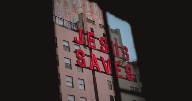 How to Keep Our Eyes on Jesus Through the Crossroads of Life