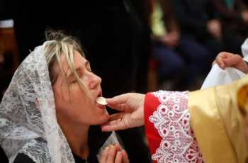 After Mass Say This Powerful Prayer After Receiving Holy Communion