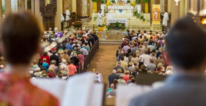 25 Things you should not do at Mass you didn't know