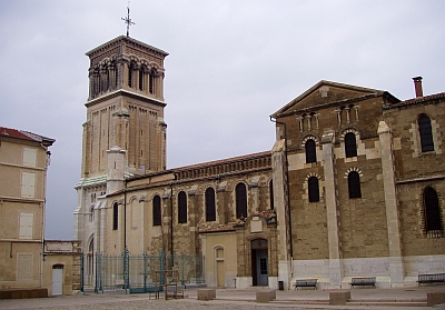 [Cathédrâle Saint-Apollinaire de Valence]