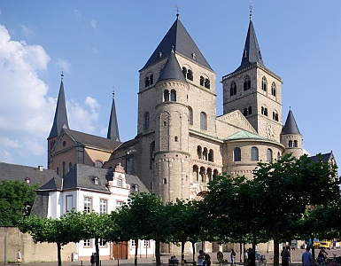 photograph of the Cathedral of Saint Peter, Trier, Germany; taken on 10 June 2008 by Berthold Werner; swiped off the Wikipedia web site