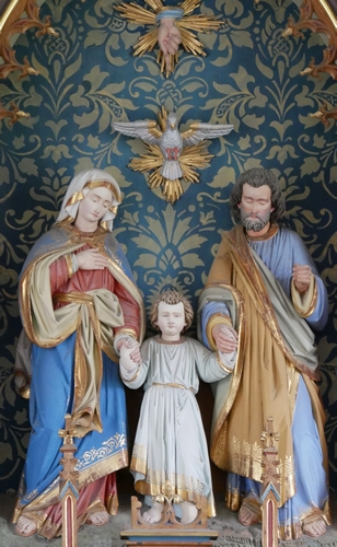 altarpiece sculpture of the Holy Family, date and artist unknown; Holy Family chapel, Fischen im Allgäu, Oberallgäu, Bavaria, Germany; photographed on 1 September 2018 by K.Bass; swiped from Wikimedia Commons
