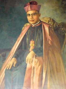 Archbishop Teofilo Camomot-Bastida