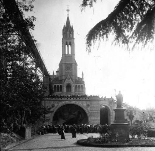 the Basilica of Lourdes, 1920