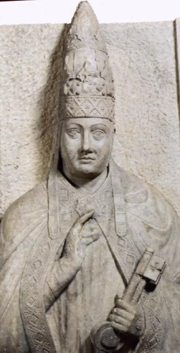 statue of Pope Boniface VIII by Arnolfo di Cambio, c.1296, Vatican Museum