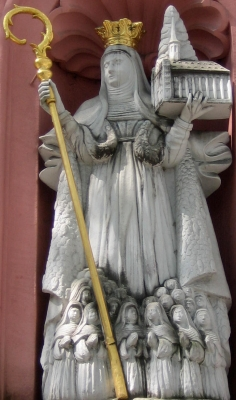 statue of Saint Bilhild, date unknown, artist unknown; Erthaler Court, Mainz, Germany; photographed on 21 April 2011 by Symposiarch; swiped from Wikimedia Commons