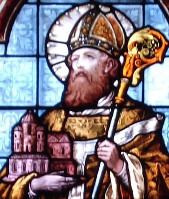 detail of a stained glass window of Saint Chrodegang of Metz, la chapelle Sainte-Glossinde de Metz, date unknown, artisti unknown; photographed on 16 September 2007 by Graoully/Archimatth; swiped from Wikimedia Commons