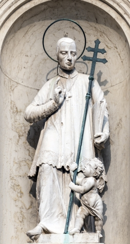 statue of Saint Lawrence Giustiniani, date and artist unknown; facade of the church of Saint Roch, Venice, Italy; photographed on 1 November 2016 by Didier Descouens; swiped from Wikimedia Commons