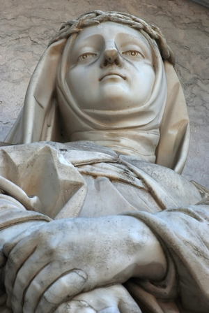 detail of a statue of Saint Maria Magdalena of Pazzi; date and artist unknown; Estrela basilica, Lisbon, Portugal; photographed in April 2010 by Alvesgaspar, and a great job he did, too; swiped from Wikimedia Commons