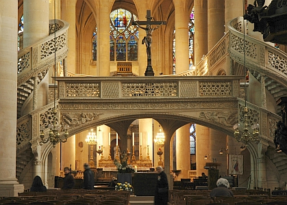 the Jubé (altar screen) at Saint-Étienne-du-Mont, Paris, ca. 1530; it illustrated a rood, fronted by a rood screen, in a rood loft, accessed by rood stairs; photographed by Jastrow in 2006; swiped off the Wikipedia web site