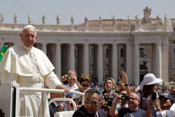 Pope recognizes illicitly ordained Chinese bishops