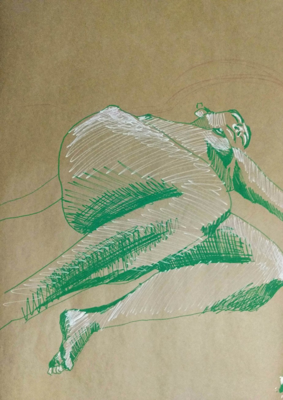 Desenho de modelo feminino nu, em caneta posca, realizado durante Prática de modelo vivo com Rafa Coutinho e Laerte no espaço Breu em 2019.