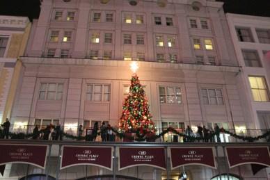Canal Street Christmas - Cat Landrum