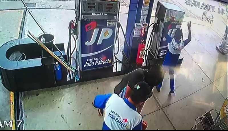 bandidos armados roubam estabelecimento comercial no centro de paulista pb video