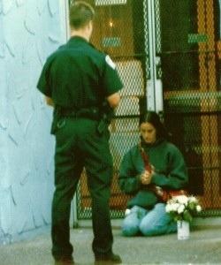 Diez meses de prisión en Canadá por intentar salvar vidas. La Ley canadiense permite abortos a la demanda hasta el nacimiento. Por lo tanto, la víspera de su nacimiento, un niño en Canadá puede ser asesinado legalmente en una «clínica»