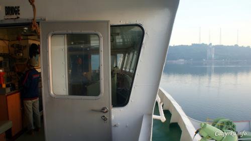 Dan inilah dek kapal ferry yang mengantarkan saya dengan selamat ke salah satu surga yang ada di bagian timur Indonesia, Lombok.
