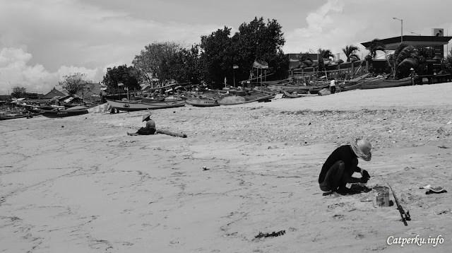 Jadi siapa yang mau main ke Jimbaran Bay? Disini ada 3 pantai keren lho, ada Pantai Kelan, Pantai Kedonganan dan Pantai Jimbaran.