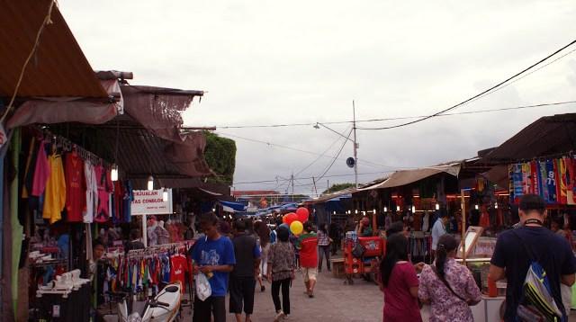 Alun - alun kota Yogyakarta sendiri penuh dengan keseruan.