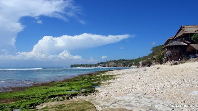 Memang pantai ini tidak berpasir halus layaknya beberapa pantai di bali yang lain, namun saya merasa lebih nyaman berada disini.