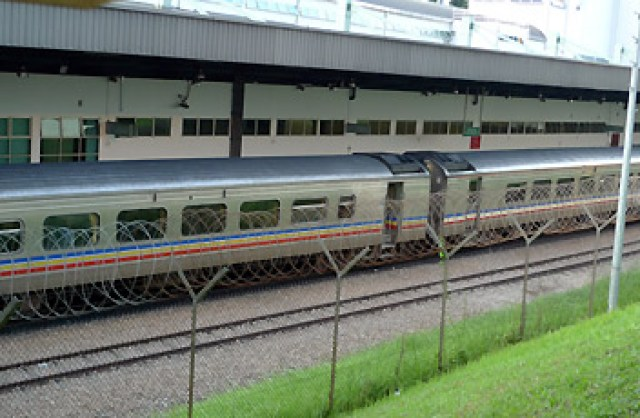 KTM intercity train, Singapore - Malaysia ( sumber www.seat61.com )