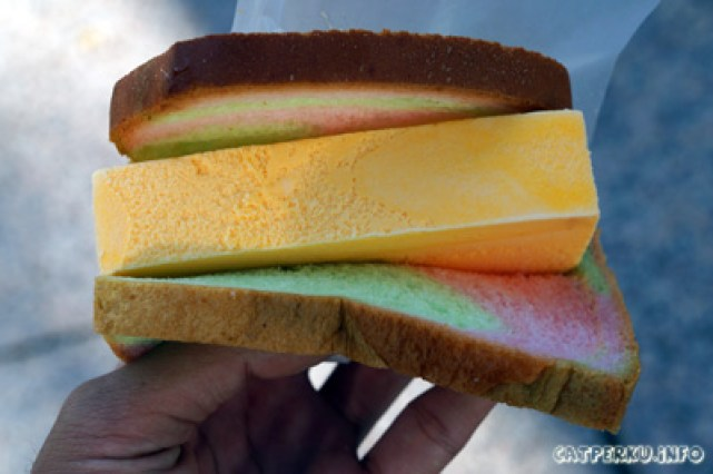 Ice Cream Sandwich ala pedagang kaki lima Singapore