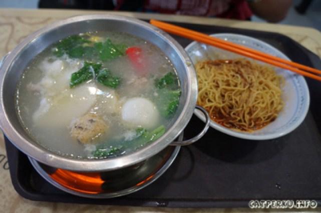 Mi Hot Pot, penyajiannya unik, seporsi bikin perut kenyang