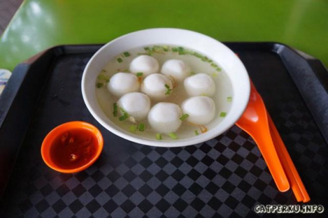 Sup Bebola Ikan, bakso ala Singapore