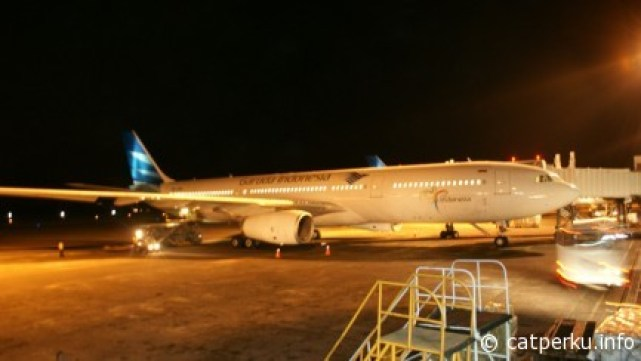Pengalaman Terbang Dengan Pesawat : Body Airbus A330 yang cukup gede