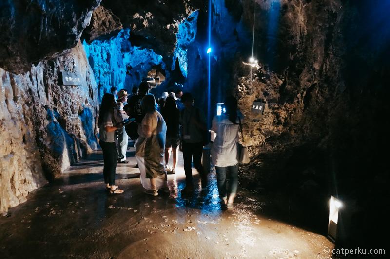 Ada bagian gua yang luas, ada juga yang sempit