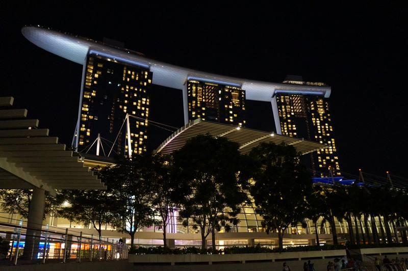Ada yang mau menghabiskan libur akhir tahun di Marina Bay Sands?
