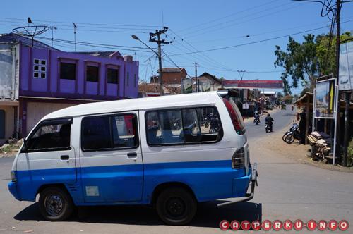 Angkot yang mengantarkan dari Terminal Guntur sampai pertigaan menuju Gunung Papandayan