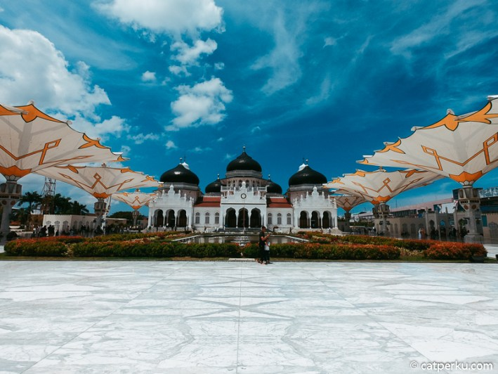 Arsitektur Masjid Raya Baiturrahman di Banda Aceh ini keren banget!