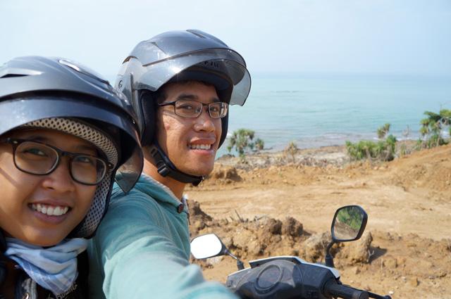 Mau tahu kenapa saya suka traveling dengan sepeda motor?