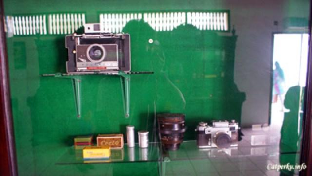 Kamera antik koleksi Sri Sultan, enggak tahu masi bisa dipake apa enggak :D