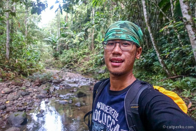 Blusukan ke hutan lagi demi berburu foto Burung Bidadari!