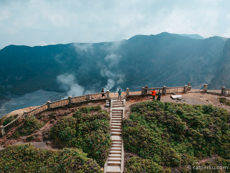 Bukit Kaba adalah kawasan yang berada di dekat Kawah Gunung Kaba yang menarik untuk dikunjungi.