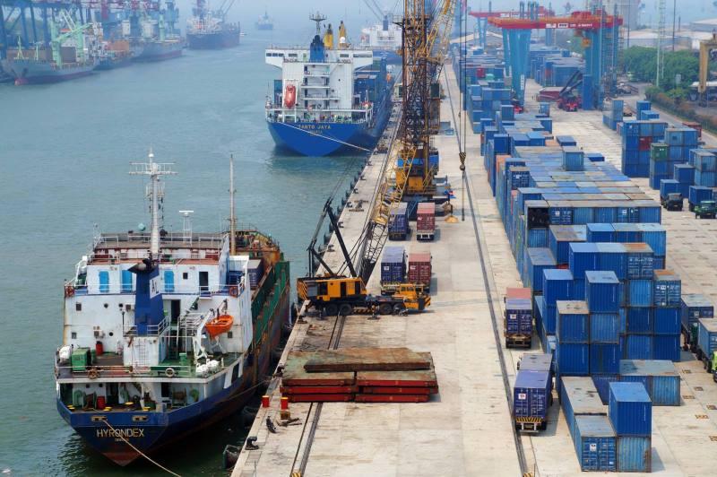 Cerita Seru Dari Pelabuhan Tanjung Priok Yang Baru!