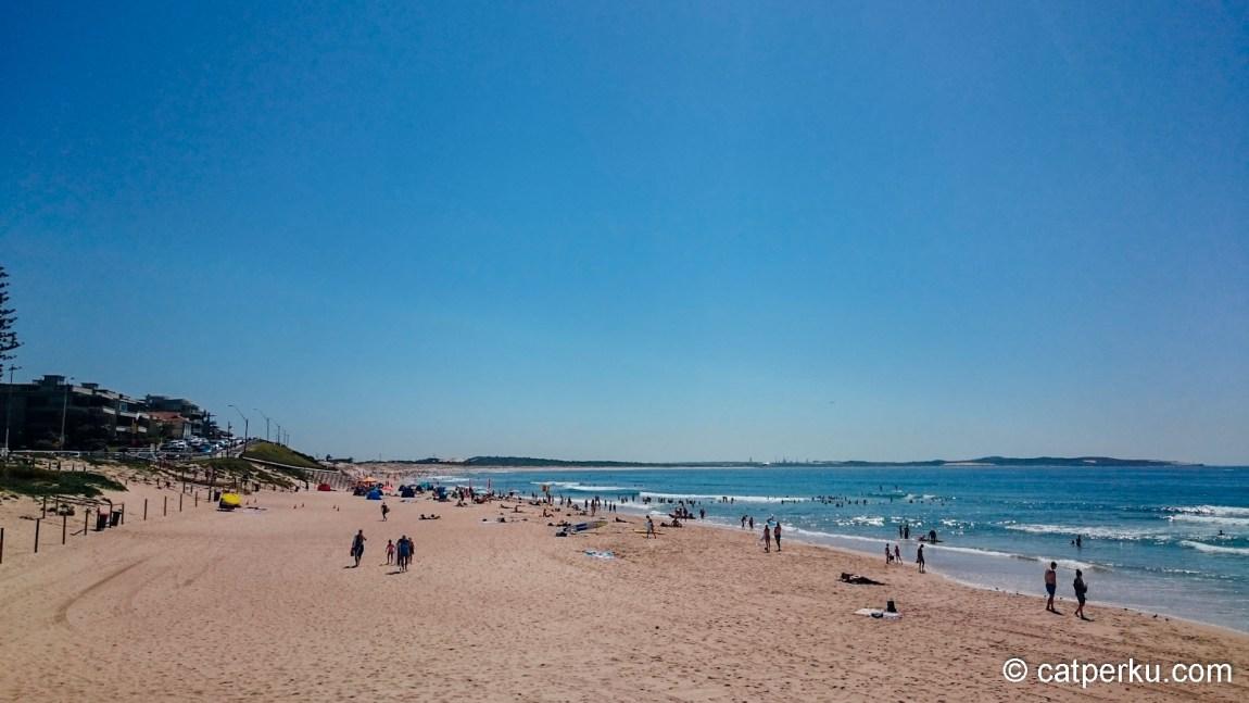 Cronulla Beach, semacam Pantai Kuta punya Sydney gitu!