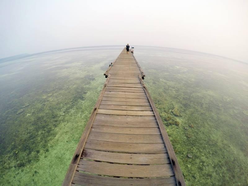 Dermaga bagian luar Pulau Kakaban.