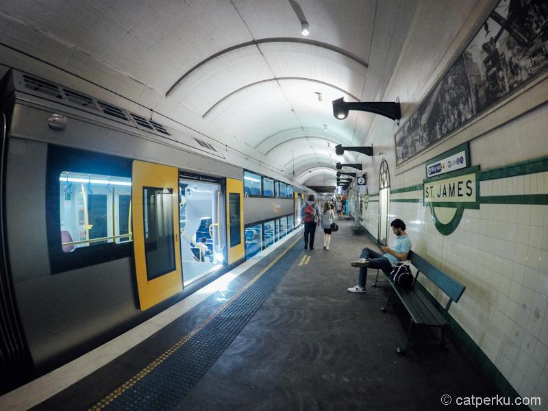 Di Sydney bisa pergi kemana saja dengan mudah karena ada kereta