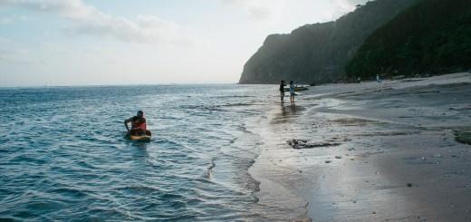 Enggak ingin berenang, bersantai disini juga bisa banget :)