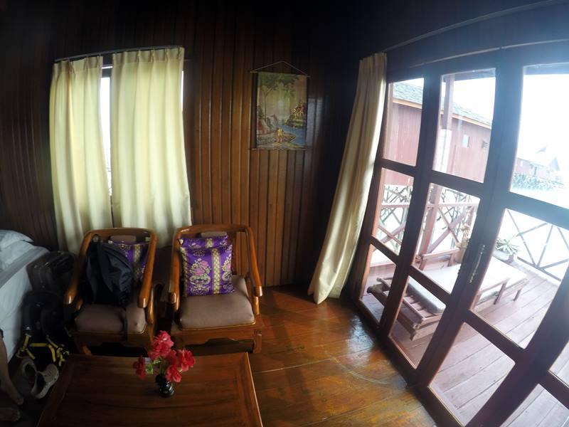 Water Villa Di Maratua Resort - Kursi santai
